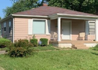 Pre Foreclosure in Indianapolis 46218 N GLADSTONE AVE - Property ID: 1736728219