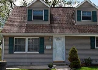 Pre Foreclosure in Pittsburgh 15235 BRYANT DR - Property ID: 1736996265