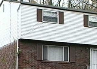 Pre Foreclosure in Pittsburgh 15235 UNIVERSAL RD - Property ID: 1737147373