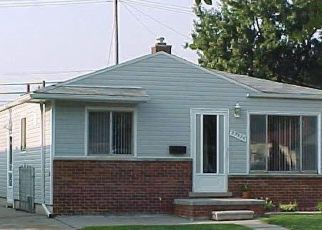 Pre Foreclosure in Saint Clair Shores 48082 LAKE DR - Property ID: 1737541551