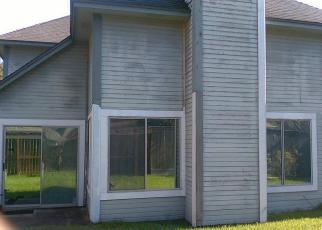 Pre Foreclosure in Houston 77083 VIA ESPANA DR - Property ID: 1738716191