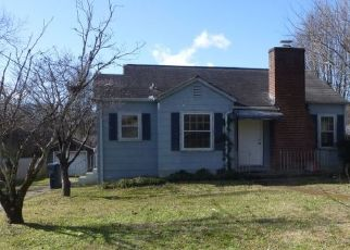 Pre Foreclosure in Knoxville 37918 ROCKCREST RD - Property ID: 1738725839