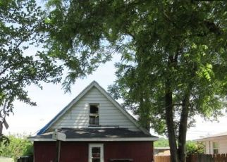 Pre Foreclosure in Peoria 61605 W ANTOINETTE ST - Property ID: 1739127903
