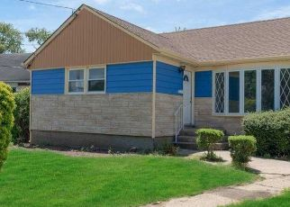 Pre Foreclosure in Hempstead 11550 ROOSEVELT ST - Property ID: 1739471258