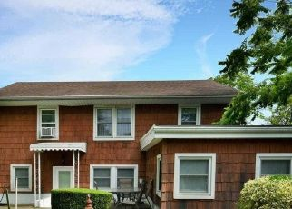 Pre Foreclosure in Freeport 11520 ROSE ST - Property ID: 1739721341