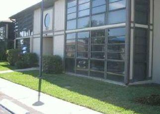 Pre Foreclosure in Miami 33179 NE 199TH ST - Property ID: 1739883390