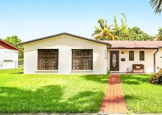 Pre Foreclosure in Miami 33157 SW 182ND ST - Property ID: 1739903544