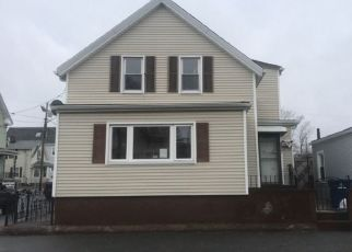 Pre Foreclosure in New Bedford 02740 DARTMOUTH ST - Property ID: 1740114647