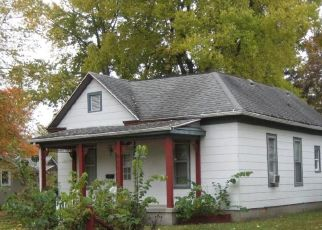 Pre Foreclosure in Sullivan 61951 S WASHINGTON ST - Property ID: 1740178591