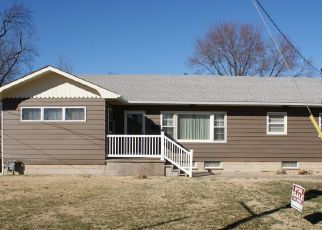 Pre Foreclosure in Benton 62812 E SMITH ST - Property ID: 1740219768