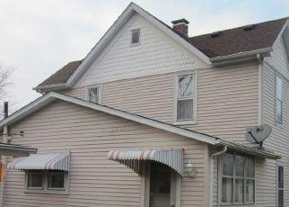 Pre Foreclosure in Mason City 62664 E PINE ST - Property ID: 1740323563