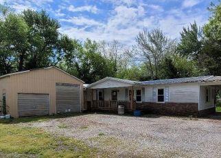 Pre Foreclosure in Du Quoin 62832 N OAK ST - Property ID: 1740325308