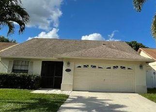 Pre Foreclosure in Lake Worth 33463 ARBOR GLEN CIR - Property ID: 1740878924