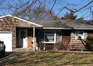 Pre Foreclosure in Centereach 11720 HARRISON AVE - Property ID: 1740906957