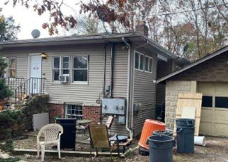 Pre Foreclosure in Hauppauge 11788 ROOSEVELT BLVD - Property ID: 1740946358