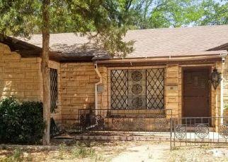 Pre Foreclosure in Levelland 79336 8TH ST - Property ID: 1741179360
