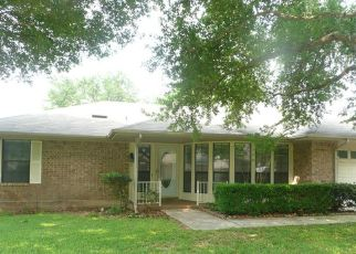 Pre Foreclosure in Schertz 78154 ROBERT STEVENS DR - Property ID: 1741197766