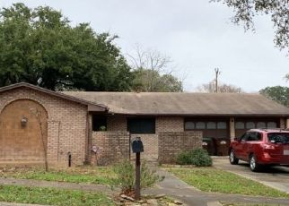 Pre Foreclosure in San Antonio 78240 FOREST BND - Property ID: 1741199961