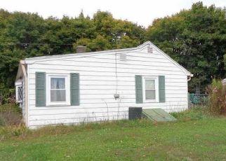 Pre Foreclosure in Carlisle 17015 ECHO RD - Property ID: 1741750483