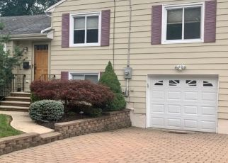 Pre Foreclosure in Verona 07044 WOODLAND AVE - Property ID: 1741815297