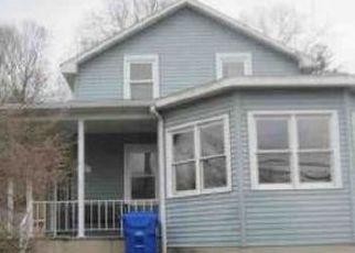 Pre Foreclosure in Thomaston 06787 LITCHFIELD ST - Property ID: 1741869610