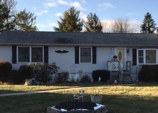 Pre Foreclosure in Highland 12528 N CHODIKEE LAKE RD - Property ID: 1741936172