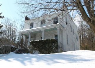 Pre Foreclosure in Huntington 11743 WALL ST - Property ID: 1741937499