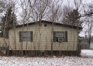 Pre Foreclosure in Fremont 46737 E ALBION ST - Property ID: 1742111818
