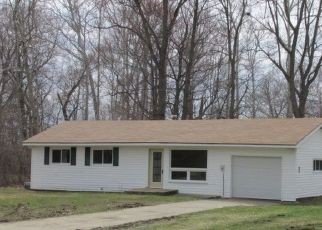Pre Foreclosure in Elkhart 46517 HOOVER AVE - Property ID: 1742122768