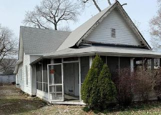 Pre Foreclosure in Indianapolis 46201 TROWBRIDGE ST - Property ID: 1742154736