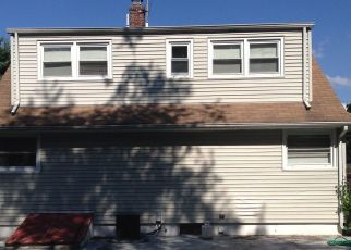 Pre Foreclosure in South Plainfield 07080 BAKER AVE - Property ID: 1742260275