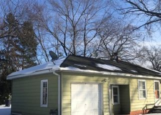 Pre Foreclosure in Muskegon 49442 VINE AVE - Property ID: 1742382932