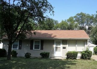 Pre Foreclosure in Champaign 61821 HOLLY HILL DR - Property ID: 1742702188