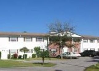 Pre Foreclosure in North Fort Myers 33917 NEW POST DR - Property ID: 1743237851