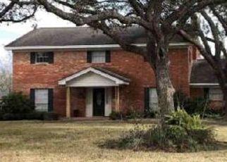 Pre Foreclosure in Bay City 77414 LA VISTA AVE - Property ID: 1745886264