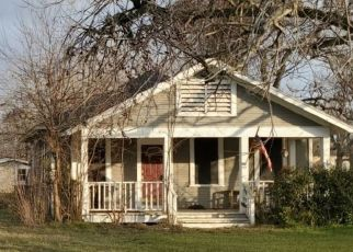 Pre Foreclosure in Wharton 77488 WALNUT ST - Property ID: 1745889778
