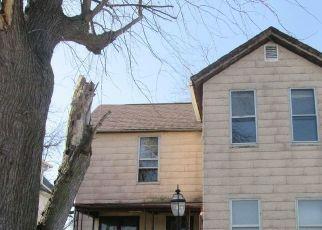Pre Foreclosure in Davenport 52804 FILLMORE LN - Property ID: 1745988762