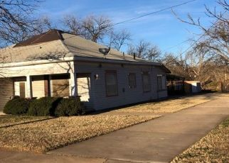 Pre Foreclosure in Sweetwater 79556 WALNUT ST - Property ID: 1746415787
