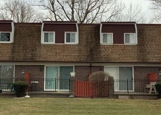 Pre Foreclosure in Clinton Township 48036 E ARAGONA DR - Property ID: 1746446884