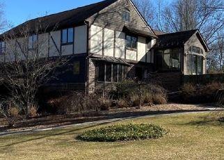 Pre Foreclosure in Newtown 06470 WHITE OAK FARM RD - Property ID: 1746568635