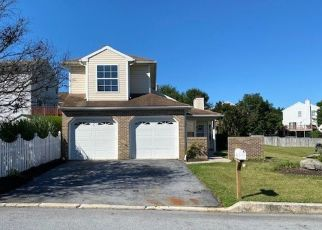 Pre Foreclosure in Harrisburg 17111 N HIGHLANDS DR - Property ID: 1746847175