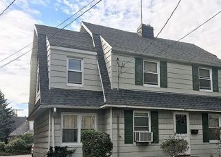 Pre Foreclosure in Bronx 10461 TOMLINSON AVE - Property ID: 1746941341