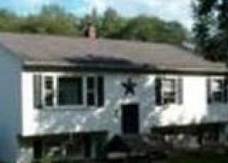 Pre Foreclosure in Moosup 06354 GREEN HOLLOW RD - Property ID: 1747068809