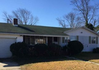 Pre Foreclosure in Northfield 08225 HOLLYWOOD DR - Property ID: 1747240485