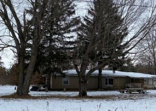 Pre Foreclosure in Dowagiac 49047 PEAVINE ST - Property ID: 1747392460
