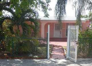 Pre Foreclosure in Miami 33165 SW 113TH CT - Property ID: 1747406477
