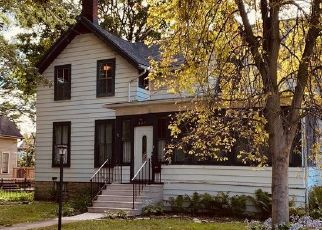 Pre Foreclosure in Sycamore 60178 SOMONAUK ST - Property ID: 1747852328