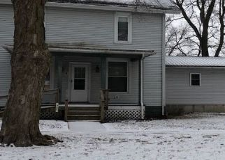 Pre Foreclosure in Lovington 61937 W CHURCH ST - Property ID: 1747878614