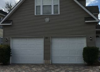 Pre Foreclosure in Naples 34104 LEAWOOD CIR - Property ID: 1747968396