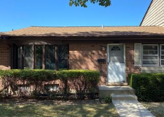 Pre Foreclosure in Wood Dale 60191 WASHINGTON SQ - Property ID: 1748415570
